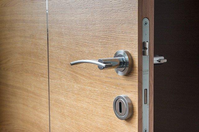 Türen für verschiedene Hausbereiche wählen