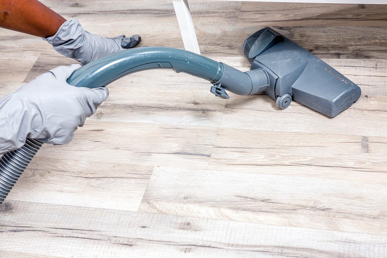 Büroreinigung – was leisten professionelle Gebäudereiniger?